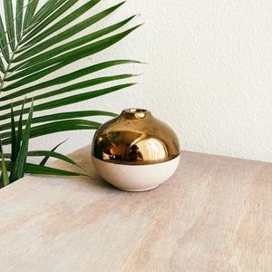 nate berkus / stone gold dipped round vase pot